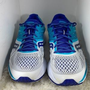 Saucony Ride 10 Sneakers. Great Condition.